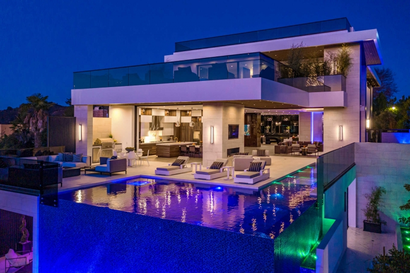 The Agency Rolls Out the Red Carpet for Newly Completed Bel Air Estate