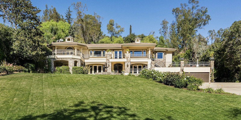 The Appeal of Homes with A-List Celebrity Pedigree