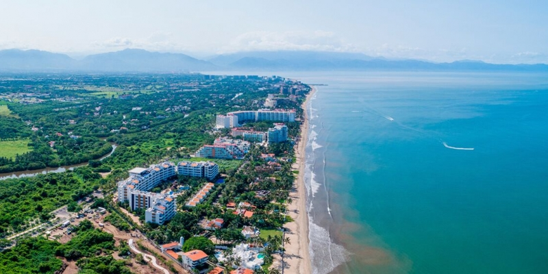 Where to Dine, Sip, Golf & Swim in Nuevo Vallarta