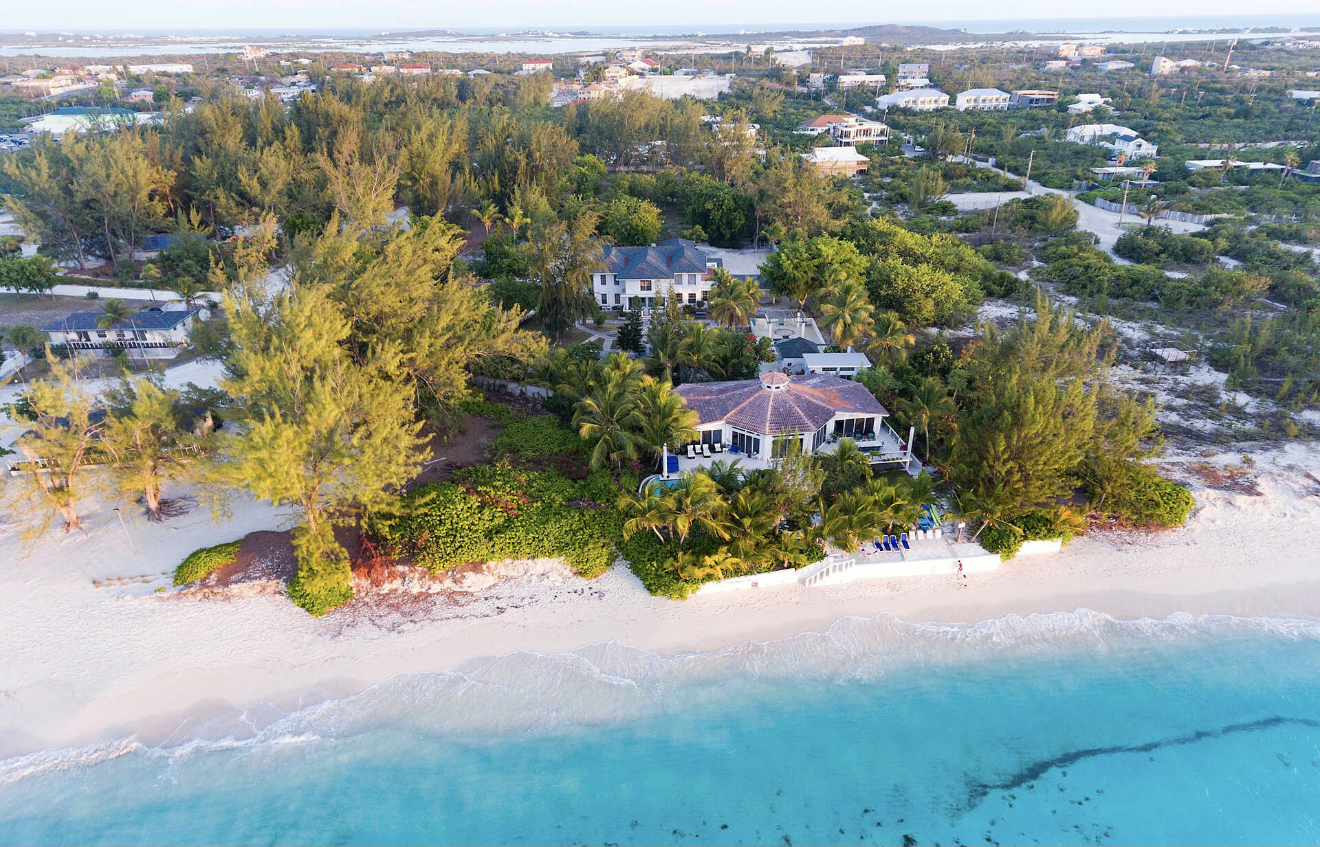 A Dose of Vitamin Sea—Waterfront Homes For Your Summer Escape