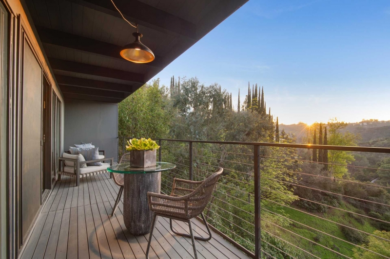 Before & After: How 7900 Willow Glen Became a Hot(ter) Property