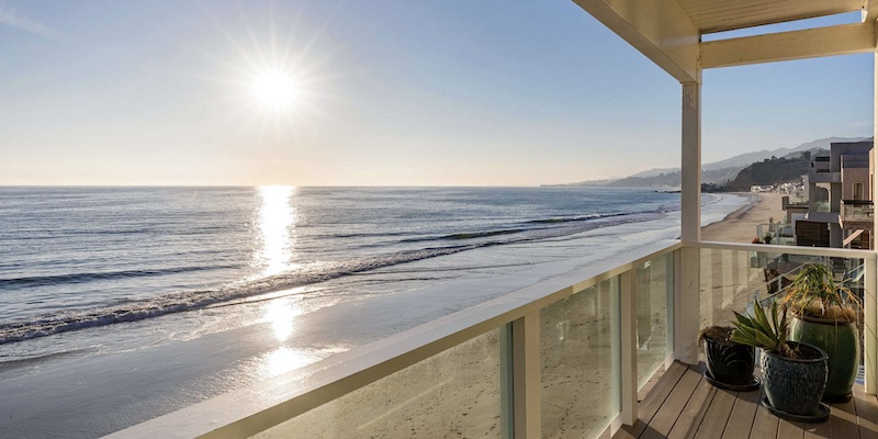 Sunshine & Serenity: Malibu's Ultimate Appeal